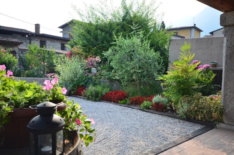 Home of Mìnola-outdoor garden