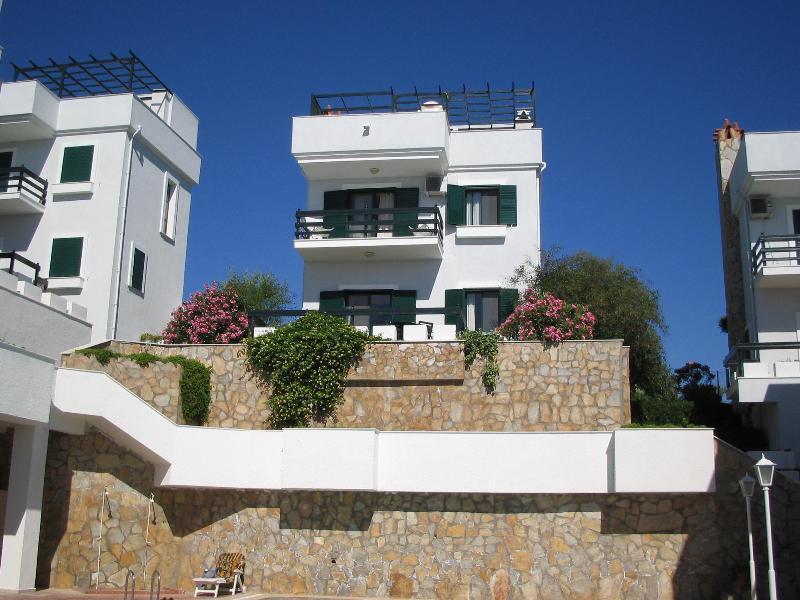 BEAUTIFUL VACATION RENTAL, casa vacanza a Urla