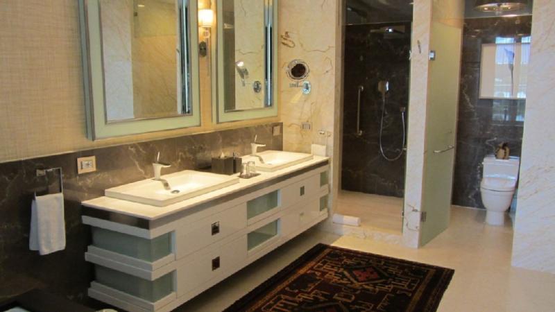 Salle de bains échantillon