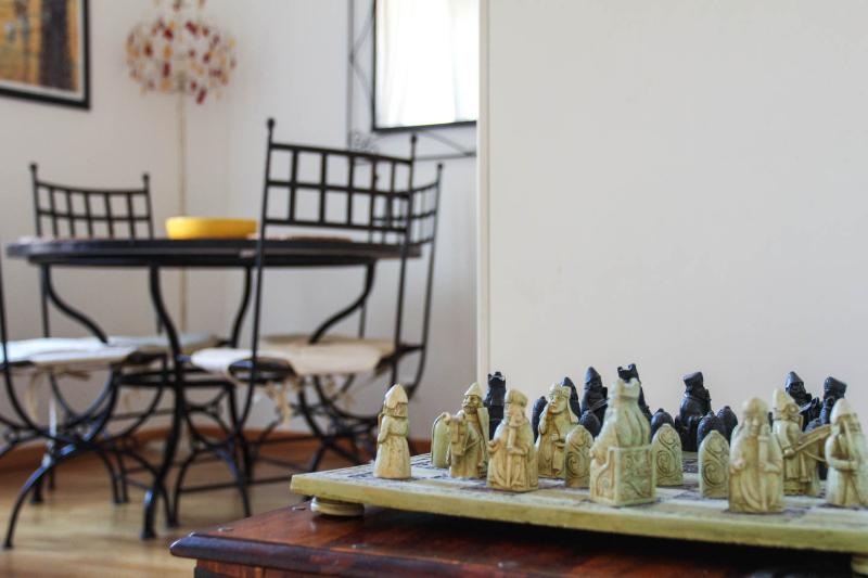 Light and airy apartment with all modern convienances to meet you and yours family needs.
