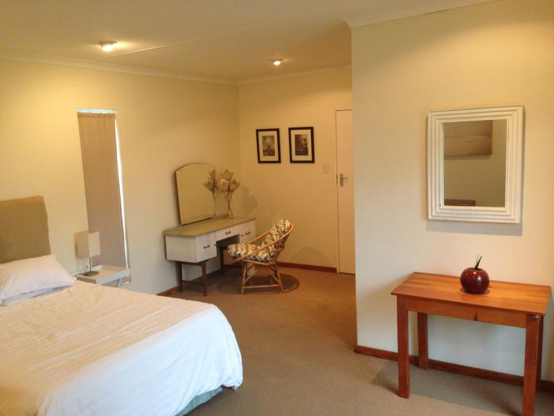 Suite on 6th, vacation rental in Johannesburg