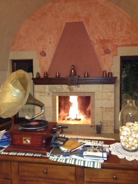 Il rosmarino unit : suggestivo camino; beautiful fire place
