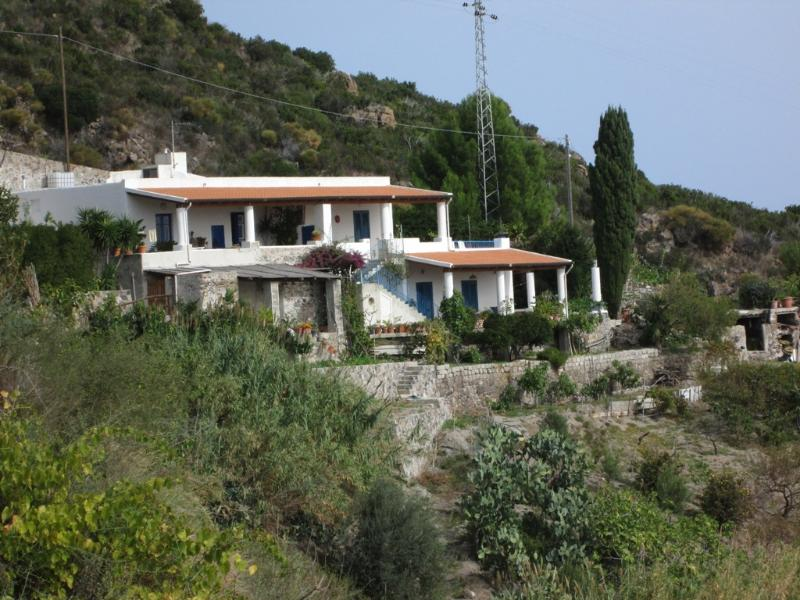 Pomelia Haus