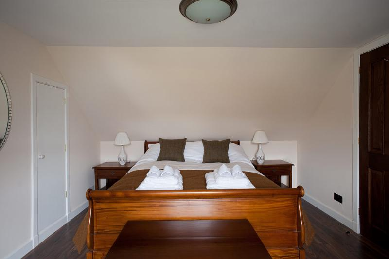 Second bedroom, King-size bed