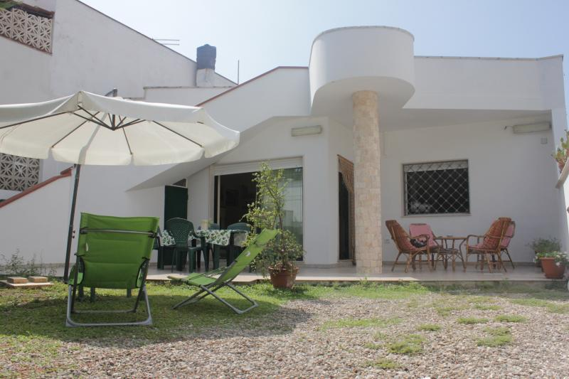 BouganVille Salento 100 m dal mare, vacation rental in Maruggio
