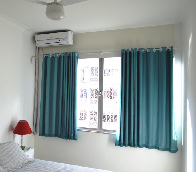 Luftkonditionering med street åsikter Barata Ribeiro och Subway Station