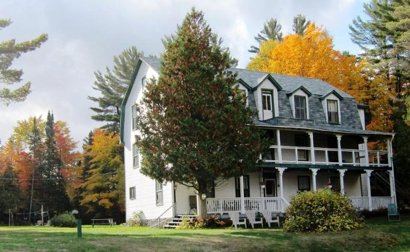 Annex Cottage - Clyffe House Cottage Resort, vacation rental in Muskoka District