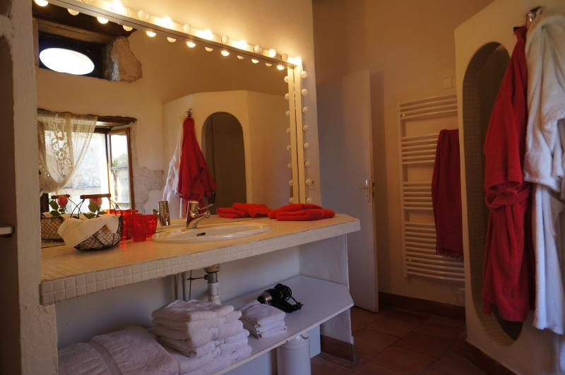 Salle de bain, douche, bidet & wc