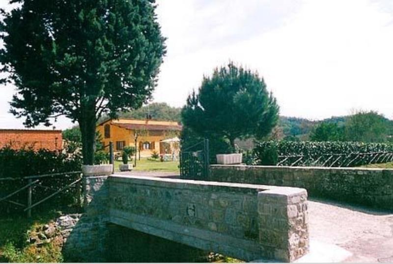 IL PODERACCIO AGRITURISMO - B&B, holiday rental in San Giovanni Valdarno