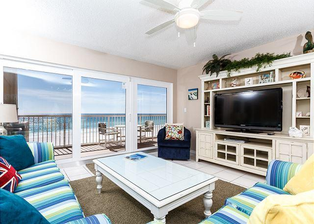 This 3 bedroom unit swarms you with beautiful beachy colors coor