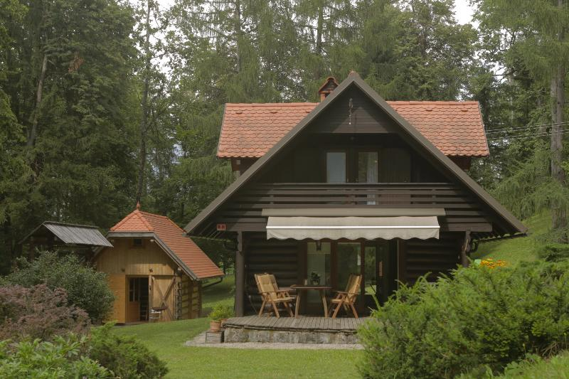HOLIDAY HOUSE  'MACESEN'  bledcottage, vacation rental in Brezje