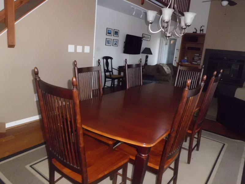 dining room - open to kitchen and family room