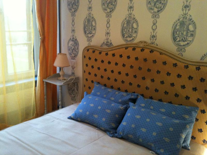 PAVILLON DE CHASSE - Vinzelles, holiday rental in Saint-Pierre-le-Chastel