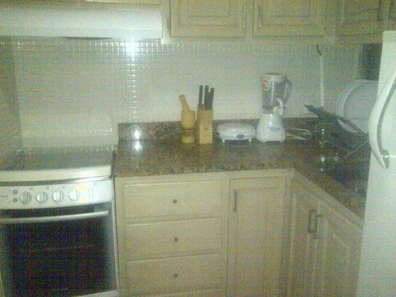 cocina con electrodomesticos nuevos