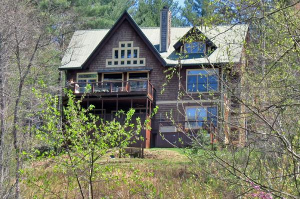 The Toccoa House boasts 4,000-square-feet of luxurious mountain living.