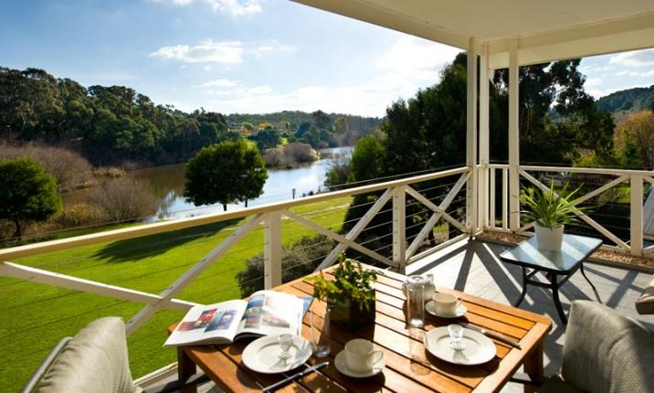 Daylesford Accommodation Esacpes - Lakeside Suites 1