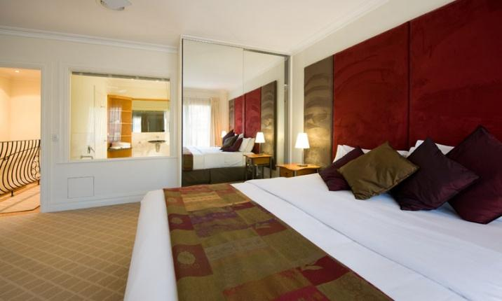 Daylesford Accommodation Escapes - Lakeside Suites 3