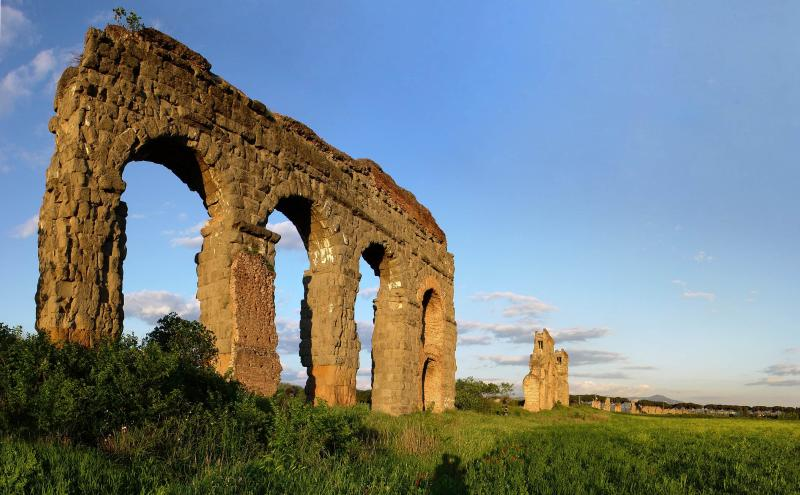 Between history and nature in Rome! -Roman Aqueducts