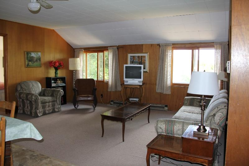 Blue Cottage Upper: Family room