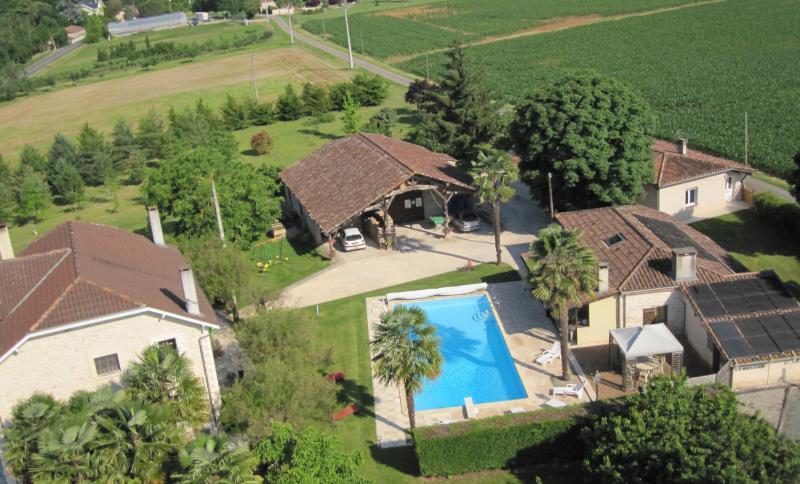 Gîte à Borne 'Le Marronnier', holiday rental in Castelmoron-sur-Lot