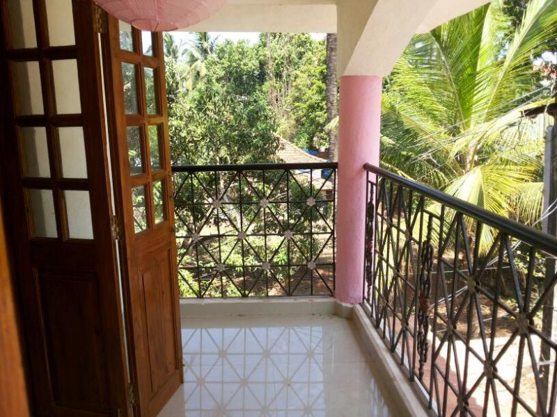 The Haven Candolim,AC room Apartmentt, holiday rental in Marra