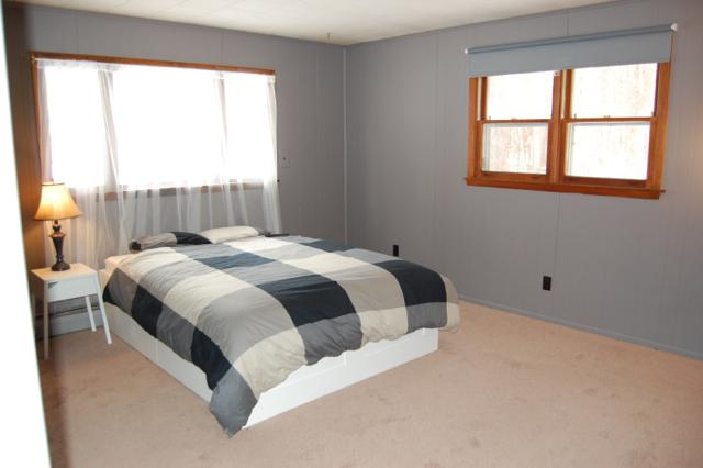 Large master bedroom with ensuite and walk-in wardrobe