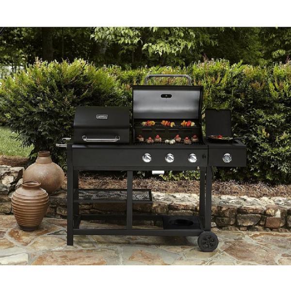 3 brûleur BBQ Grill (pour le modèle affichage à titre indicatif seulement. Paysage pas de la propriété)