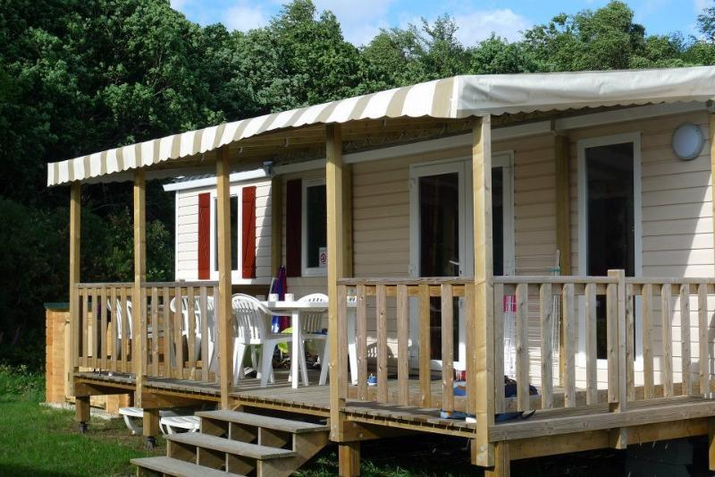 Le Champ de Pavot - 3 bedroom mobile home brand new for 2017, holiday rental in Cahagnes