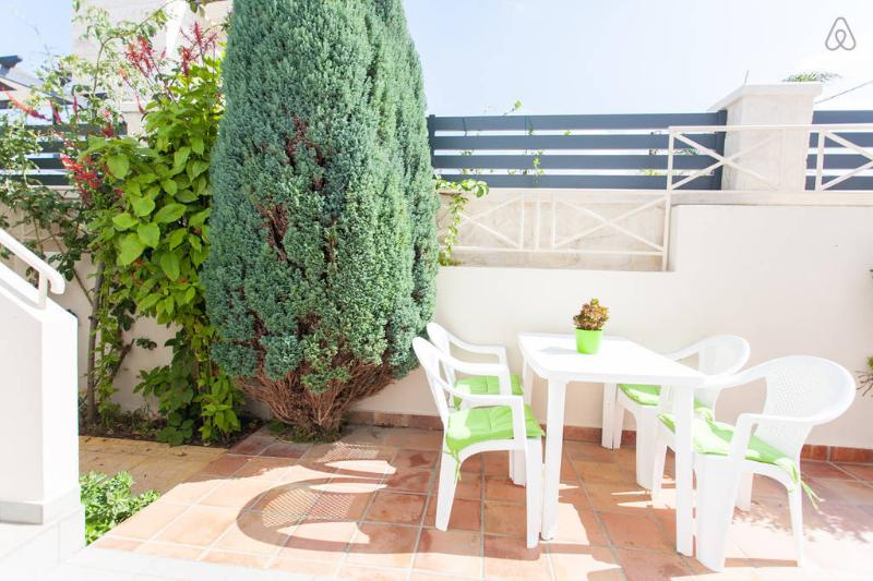 ARMONIA APARTMENTS-4, holiday rental in Almyrida