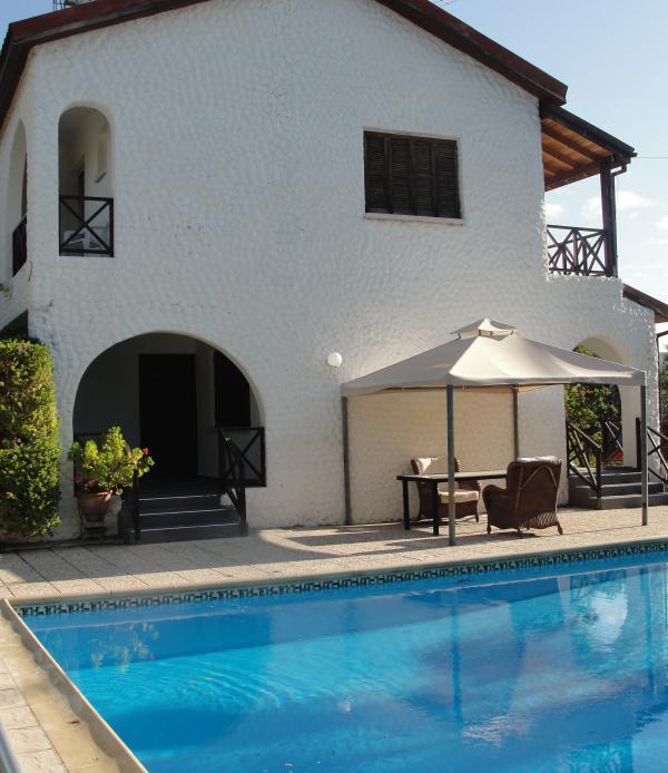 Poolside Cabana & Shaded Porch