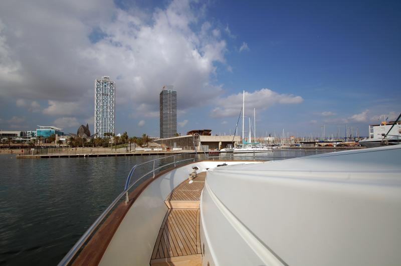Outside deck pass to the Sun Beds on the bow