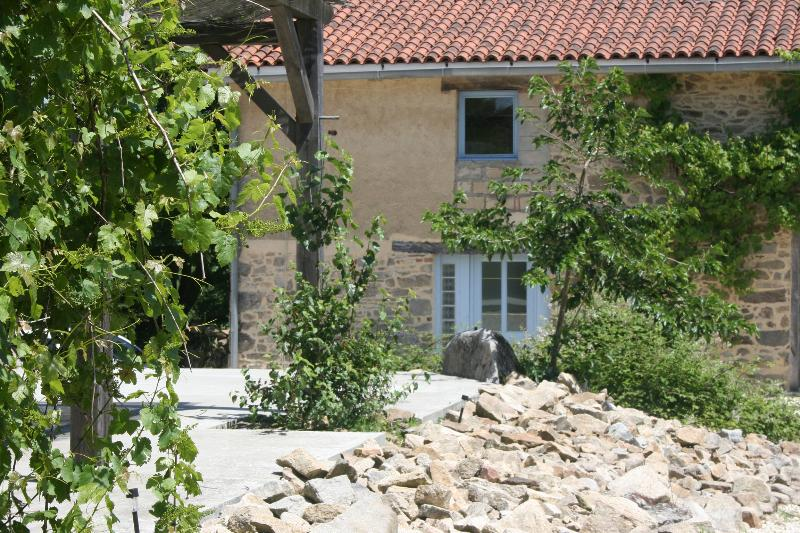 Le Pavot 3 persons Holiday Cottage, holiday rental in Masleon