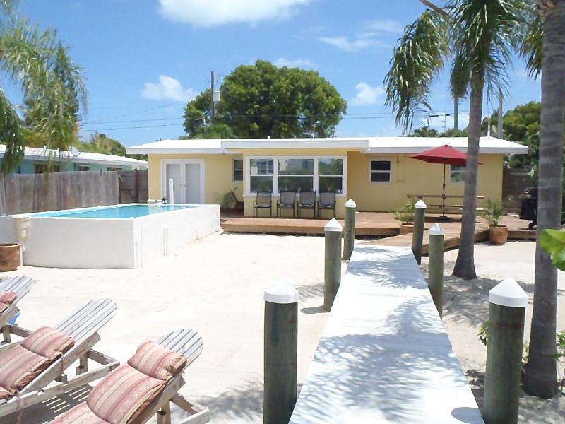 421 121st street, golf 4 slaapkamers, 2 badkamers huis met splash zwembad en kajaks opgenomen!