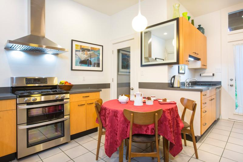 Garden View Kitchen with Laundry Room - Washer and Drier. Microwave, Toaster Oven. Coffee Makers.