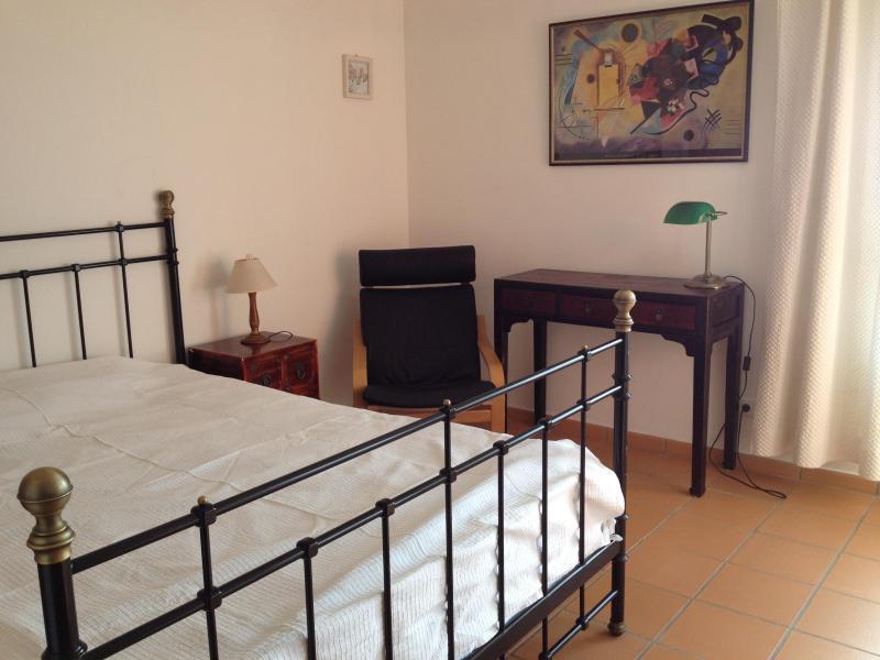 La deuxième chambre a aussi un lit king size !