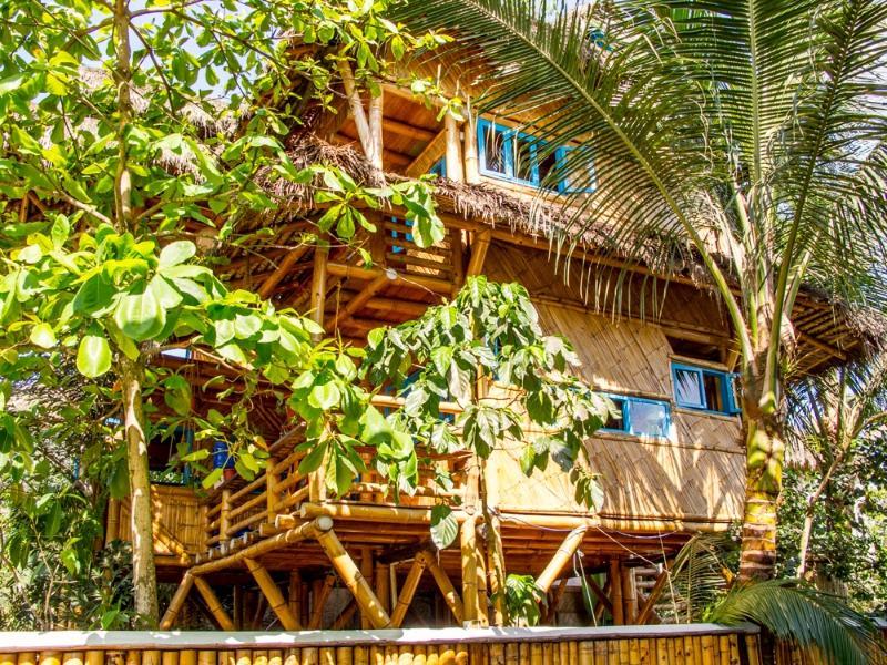 Tropical Bamboo Beach Home in Paradise, aluguéis de temporada em Província de Esmeraldas