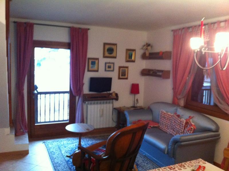 Appartamento in montagna, holiday rental in Peschiera Maraglio