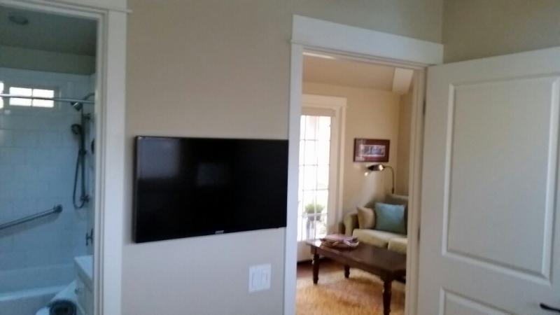 Nuevo LCD HD TV en dormitorio