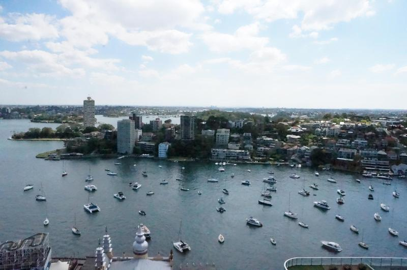 2 bedroom luxury apartment with waterviews, vacation rental in Cremorne
