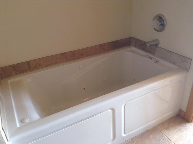 Vasca idromassaggio in camera da letto bagno