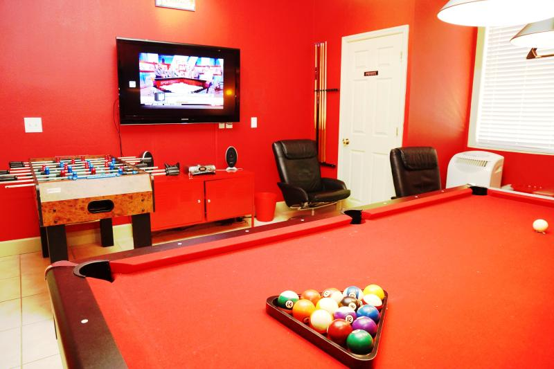 Luxury vacation home - Private game-room