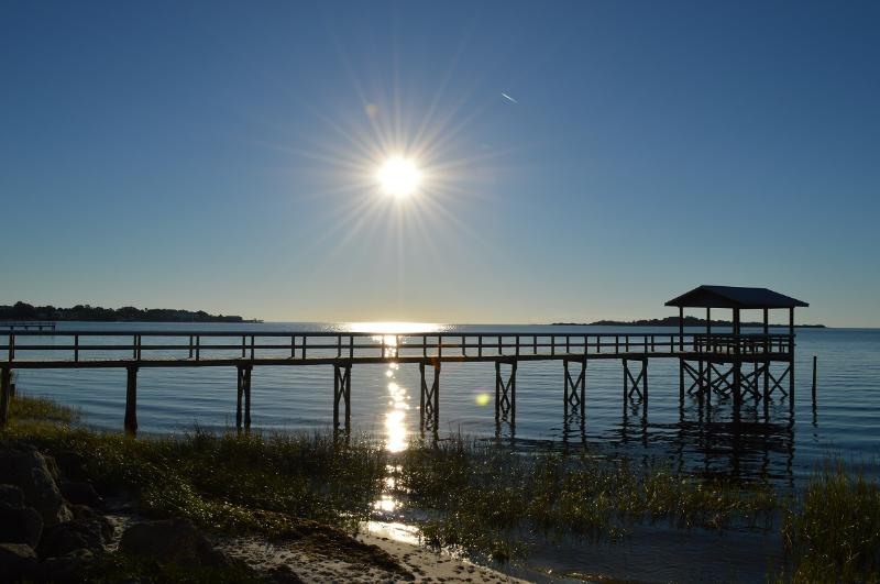 Cedar Key Gorgeous Sunsets, vacation rental in Cedar Key