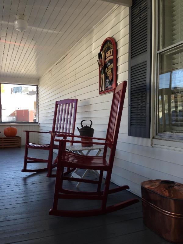 Casual screened porch