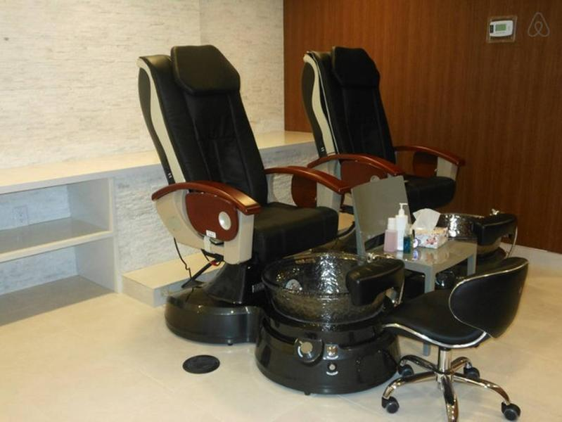 Paid Spa - amenities area