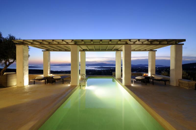 Villa Iokasti with private pool, next to famous Farangas beach and Aliki village, vacation rental in Paros