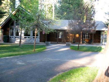 Ladies Lake Lodge - Country Club Log Cabin Near Rec Area 2 & Golf Course, holiday rental in Westwood