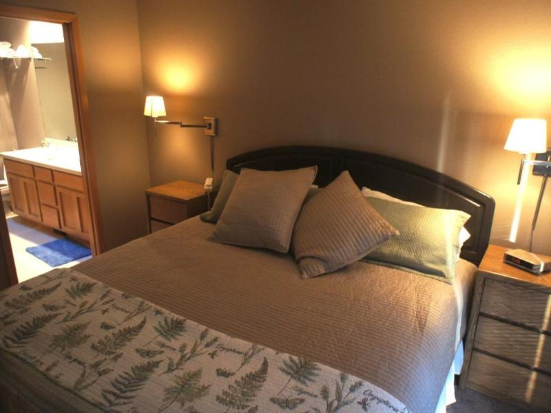 Our second master bedroom with another king bed