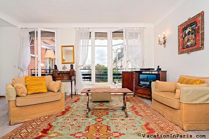 Luxembourg Two Bedroom Splendor - ID# 123, vacation rental in Aubervilliers