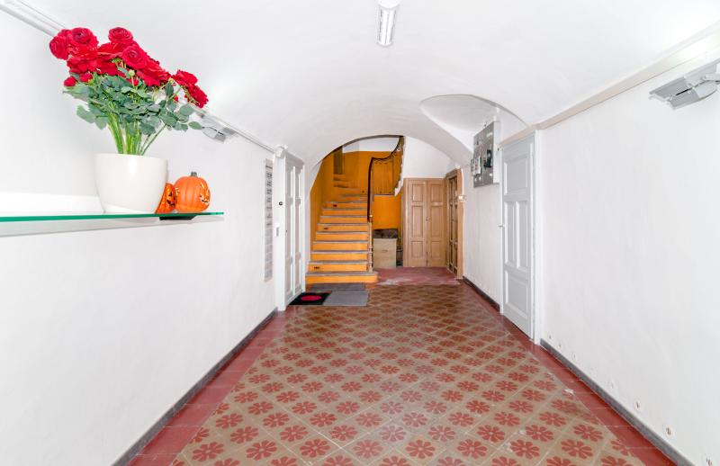 LUGANO SOUTH FAMILY FLAT, vacation rental in Vernate