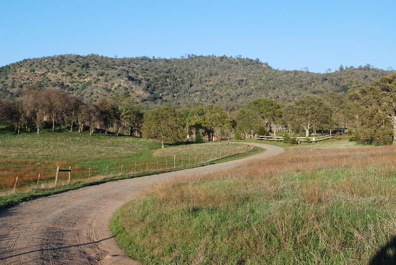 Road to RoundHat Ranch